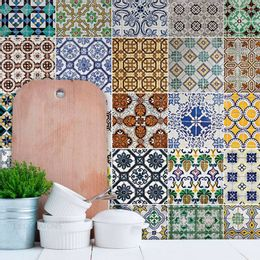 papel-de-parede-azulejo-geometrico-azul-cobalto-e-verde-creme-de-menta-verde1