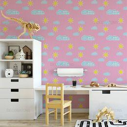 papel-de-parede-listras-com-nuvens-e-sol-rosa1