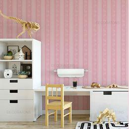 papel-de-parede-listrado-infantil-arabesco-rosa