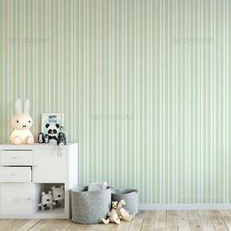 papel-de-parede-listrado-fino-verde-claro