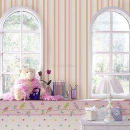 papel-de-parede-listrado-vertical-branco-com-rosa1