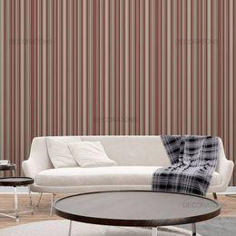 papel-de-parede-listrado-vertical-marrom-e-vermelho