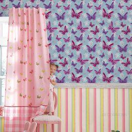papel-de-parede-borboleta-roxa-e-lilas-com-azul-claro