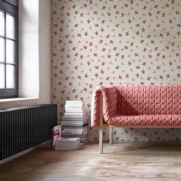 papel-de-parede-rosas-e-ramos-espalhadas-palha