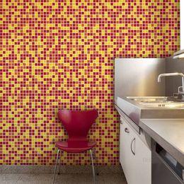 papel-de-parede-pastilhas-amarelo-e-vermelho-2-x-2-cm