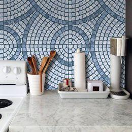 papel-de-parede-pastilha-mosaico-circular-azul-cobalto