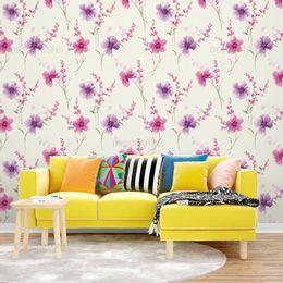 papel-de-parede-floral-delicado-tons-pasteis-amarelo-claro