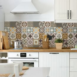 papel-de-parede-azulejos-portugueses-hidraulicos-minimalistas-bege
