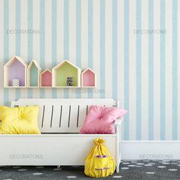 papel-de-parede-listrado-azul-claro-vertical