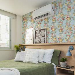 papel-de-parede-emaranhados-de-ramos-de-rosas-azul-claro-pri75