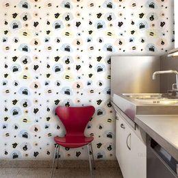 papel-de-parede-panelas-e-luvas-branco1