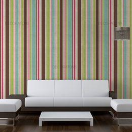 papel-de-parede-listrado-vertical-marrom-e-verde