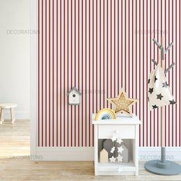 papel-de-parede-listrado-vertical-branco-e-vermelho
