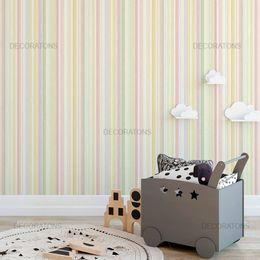papel-de-parede-listrado-vertical-colorido-tons-claros