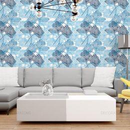 papel-de-parede-rosas-riscos-detalhados-azul-claro-1