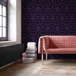 papel-de-parede-vintage-roxo-com-fundo-preto