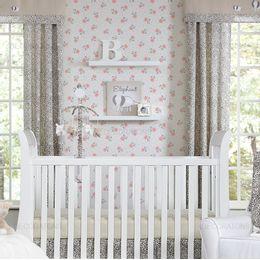 papel-de-parede-tropical-mini-poa-e-rosas-branco